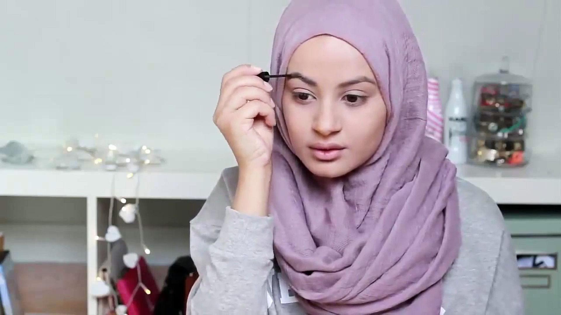 istri-hendak-berdandan-bagaimana-hukum-membeli-make-up-untuk-istri-QbIEyVogtL.jpg
